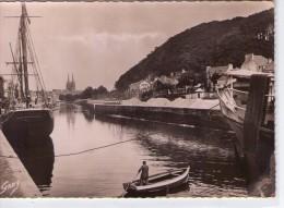 Quimper.. Animée.. L'Odet.. Le Mont-Frugy.. Les Flèches De La Cathédrale.. Bateaux.. Barque - Quimper