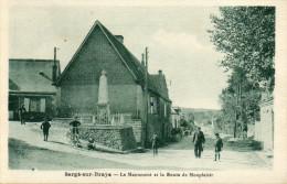 20         SARGE  SUR  BRAYE     -    MONUMENT  ET  ROUTE  DE  MONPLAISIR - France