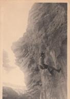 SPORT / ESCALADE - DESCENTE EN RAPPEL 1945 (CARTE PHOTO) - Escalade