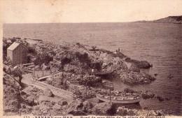 Sanary Sur Mer-bord De Mer Pres De La Plage De Port Issol - Sanary-sur-Mer