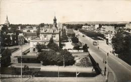 CPSM P.F.  -  78 - MAISON-LAFFITTE - Vue Générale, L´avenue De Longueil - Petit Pli Au Centre - 310 - Maisons-Laffitte