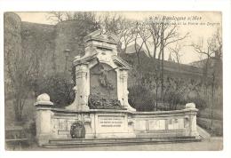 Cp, 62,Boulogne-sur-Mer, Le Souvenir Français Et La Porte Des Degrés, Voyagée - Boulogne Sur Mer