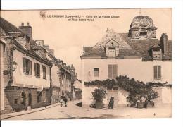 44 LE CROISIC / N° 75 : Coin De La Place DINAN Et Rue Saint-Yves / CPA Chapeau Vierge (4ème) Légère Tache !!! - Le Croisic