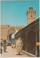 Kairouan: PEUGEOT 403 - Le Souk Et La Porte De Tunis - Tunesie - Toerisme