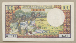 MADAGASCAR - 100 Francs  1966  P57  Uncirculated  ( Banknotes ) - Madagascar
