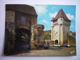 Nevers (58) La Porte De Croux (1394-1398) Renferme Aujourd'hui Le Musee Archeologique Du Nivernais (2 Scann) - Nevers