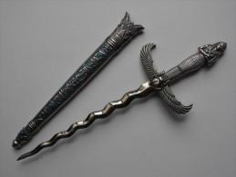 Poignard Dague Egyptian Figurine Avec Son Fourreau Tous Métal  2 Photos - Knives/Swords