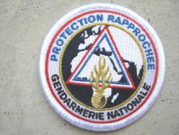 RARE INSIGNE TISSUS PATCH GENDARMERIE NATIONALE DU SPRGN SERVICE PROTECTION RAPPROCHEE SUR VELCRO ETAT EXCELLENT