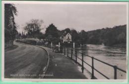 Below Boulters Lock. Maidenhead - Angleterre