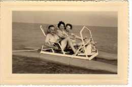 Photographie de famille - p�dalo sur mer