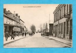Entrée De Mourmelon-le-Petit. - Café -Restaurant De La Boule D´Or. - ( Marne ). - France