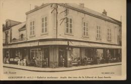 Gueugnon Galerie Modernes Angle Des Rue De La Liberte Et Jean Jaures - Gueugnon