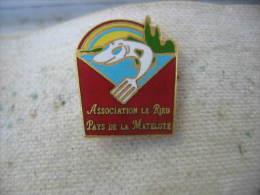 """Pin�s de l'Association Alsacienne """"Le Ried"""", Pays de la Matelote (67600 Baldenheim). Poissons"""