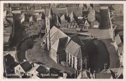 NL.- Nieuwe Tonge. Nederlands Hervormde Kerk En Dorpskern. Luchtfoto. 2 Scans - Otros
