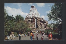 """Matterhorn Mountain...""  Al Dorso ""Tomorrowland"".  Nueva. - Disneyland"