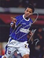 DEDICACE Autographe Football De Giovani DOS SANTOS (Mexique) Jouait à Ipswich  En 2009 Joue à Villarreal Depuis 2013 - Autographes