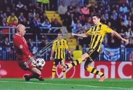DEDICACE Autographe Football De LEWANDOWSKI (Pologne)  Joue à Dortmund (Allemagne) De 2010 à 2014 - Autographes