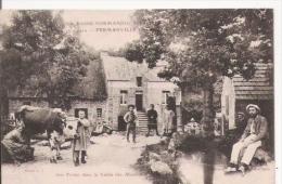 FERMANVILLE (MANCHE) 1422 LA BASSE NORMANDIE UNE FERME DANS LA VALLEE DES MOULINS (TRAITE DE VACHE ET ANIMATION) 1916 - France