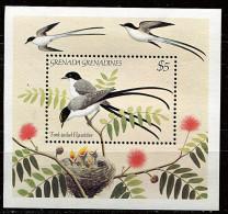 Grenadines-Grenade ** Bloc N° 80 - Oiseaux Chanteurs - Grenada (1974-...)