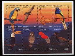 Guyane ** N° 4060 à 4067 - Oiseaux : Perroquets  (II) - Guyana (1966-...)