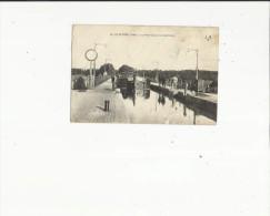 Le Guetin  18    Le Pont Canal-Passage D'une Peniche-Vue Superieure - France