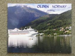 P+O PRINCESS VESSEL AT OLDEN NORWAY - Dampfer