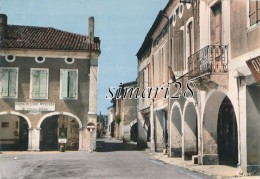 LABASTIDE-D'ARMAGNAC - N° 316 - UN COIN DE LA PLACE ET RUE DE LA POSTE - Sonstige Gemeinden