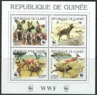 (WWF-058) W.W.F. Guinea African Wild Dog / Animal MNH Souvenir Sheet 1987 - W.W.F.