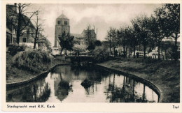 Tiel  Stadsgracht  Met R K Kerk - Tiel