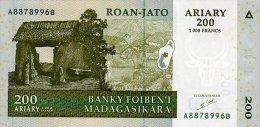 Madagascar 200 Francs 2004 Pick 87 UNC - Madagaskar