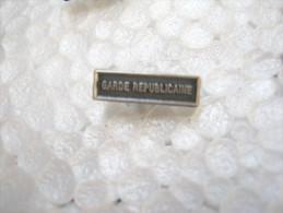 AGRAFE POUR MEDAILLE DE RAPPEL GENDARMERIE GARDE REPUBLICAINE EXCELLENT ETAT