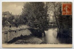 BEYNES --1910-- Vue De La Mauldre Au Pont Du Grand Moulin éd Renault---belle Carte Avec Beau Cachet Beynes - Beynes