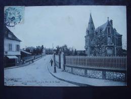 76. YVETOT - La Rue De La Gare - Yvetot