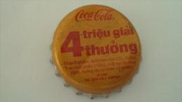 Vietnam Coca Cola used beverage bottle crown cap / Kronkorken / Capsule  - winning cap / 02 images