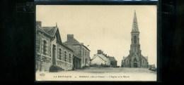 CPA  35 MESSAC  L église Et La MAirie  ELD écrite 1915  Cachet Train Sanitaire SP14 Armée - France