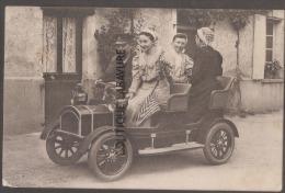 En Automobile 3 Femmes Et Conducteur - Voitures De Tourisme