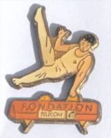 Pin's  FONDATION FRANCE TELECOM - Gymnaste Sur Cheval D'arçon  - D738 - France Telecom