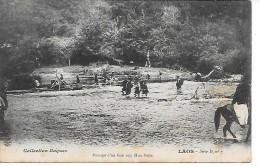 LAOS - Passage D'un Gué Aux Hua Pahn - Laos