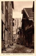 TROYES : Rue Des Chats Et Tour De La Madeleine - Troyes