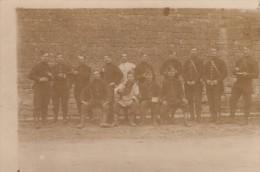Groupe De Militaires Aux Environs De Cahors - Guerra 1914-18
