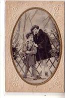 Italie - PHOTO En Médaillon Contour Or De Deux Enfants Fille Petit Garçon Avec Bouquet De Fleurs - CPA Embouti Buon Anna - Fotografía