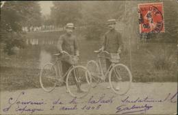 """CYCLISME/ SUPERBE CARTE! 2 Hommes Avec Moustaches Et Vélos!""""Souvenir De La Balade Sensationelle D'Espagne 3 Aout 1906"""" - Cyclisme"""