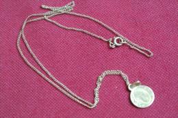 CHAINE Et Médaille - Necklaces/Chains