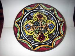 Geglazuurd Aardewerk Sierbord - Diameter 21 Cm  - Hand Painted - Céramiques