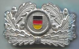 East Germany (DDR),insignia For Caps, Army, Militaria, Metal - Armée De Terre