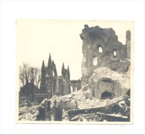 Guerre 14/18 - Photo (8 X 8,5 Cm) Avec Cachet Du Service Photographique De L' Armée - NIEUWPOORT-NIEUPORT -Eglise - Guerre, Militaire