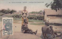 Alépé - Coiffure D'une Femme Attié (animée, Seins Nus, Colorisée) - Côte-d'Ivoire