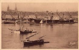 Bordeaux-les Quais-navire En Chargement - Bordeaux