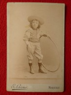 ENFANT AU CHAPEAU JEU DE CERCEAU PHOTO LACOUR MARSEILLE Dim 16.5 X 10.5 Cm - Photographs
