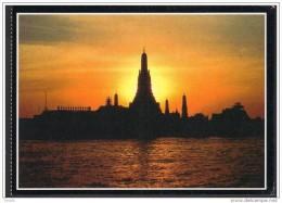 THAILAND POSTCARD - The Temple Of Dawn, Night View, Unused ** - Tailandia
